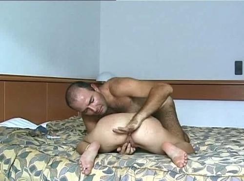 muskulistie-parni-i-porno