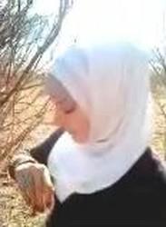 مبرشم زانق مصحة محجبة الشجرة ويطلع زبره ويغصبها تمصه وتتناك